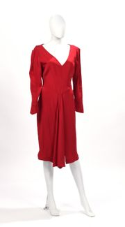 9b12413e2cd Thierry MUGLER Robe en crèpe rouge. Taille 42