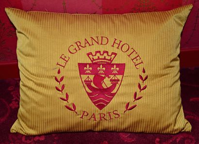 Mobilier provenant du Grand Hôtel Intercontinental Paris - Vente 26 & 27 septembre