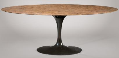 Beautiful Eero Saarinen Pour Knoll Importante Table De Salle Manger Plateau  Ovale With Table Knoll Ovale