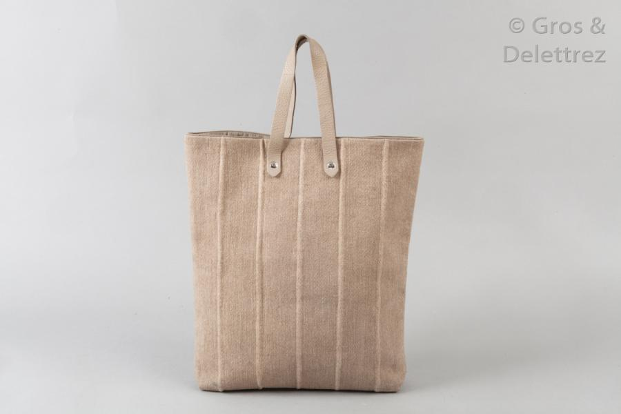 HERMÈS Paris made in India *Sac cabas 36cm en toile de laine sable, double poignée…