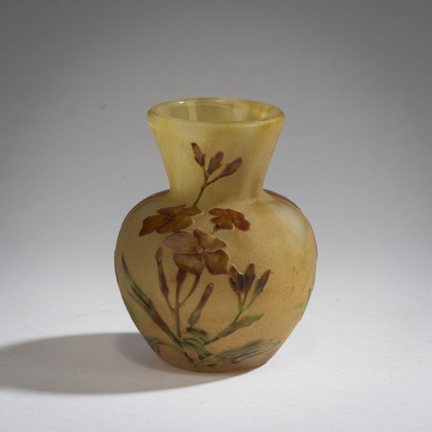 Daum Freres, Nancy, 'Laurier rose' vase, 1910-15 Daum Freres, Nancy, 'Laurier rose'…