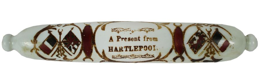 """Rolling Pin. Verre soufflé Blanc. Decoration peinte. """"A present from HARTLEPOOL"""".…"""