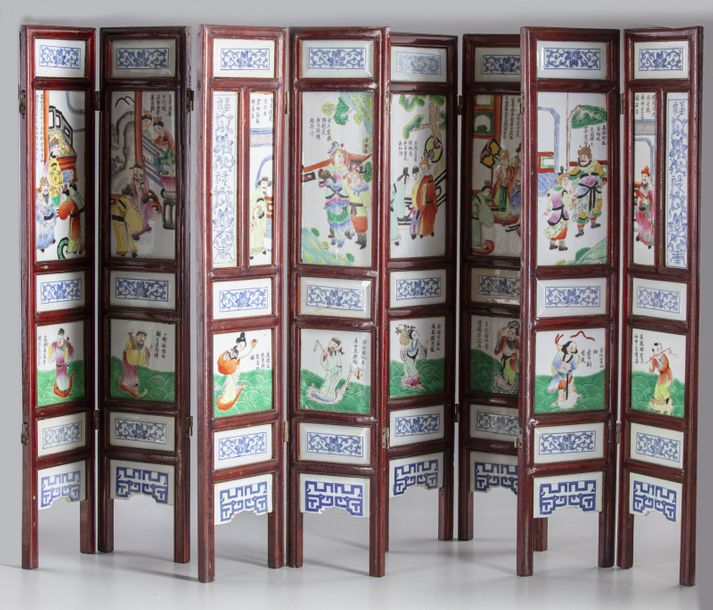 Two Chinese porcelain table screens Two Chinese porcelain table screens, contains…