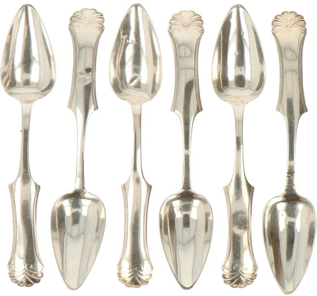 (6) Coffee spoons of silver. Decorated with shaped handle with shell shaped decoration.…