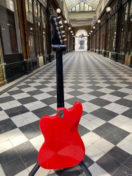 Guitare électrique solidbody « twist » made in West Germany circa 1963. Finition…