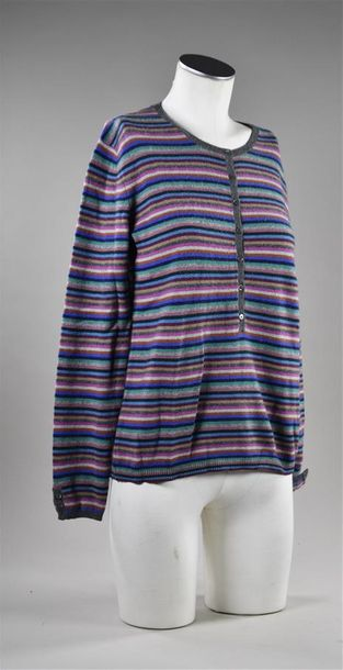 ERIC BOMPARD. Lot comprenant un pull en cachemire rayé multicolore, encolure ronde…