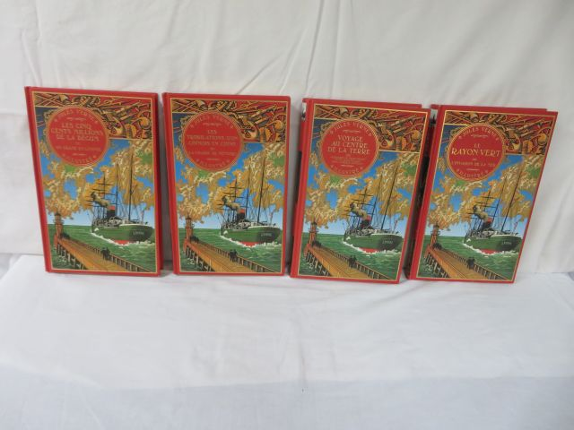 "Jules VERNE Lot de 4 volumes des éditions Atlas : ""Le Rayon Vert, L'invasion de…"