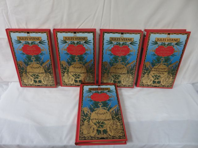 "Jules VERNE Lot de 5 volumes des éditions Atlas : ""Le Tour du Monde en 80 jours,…"