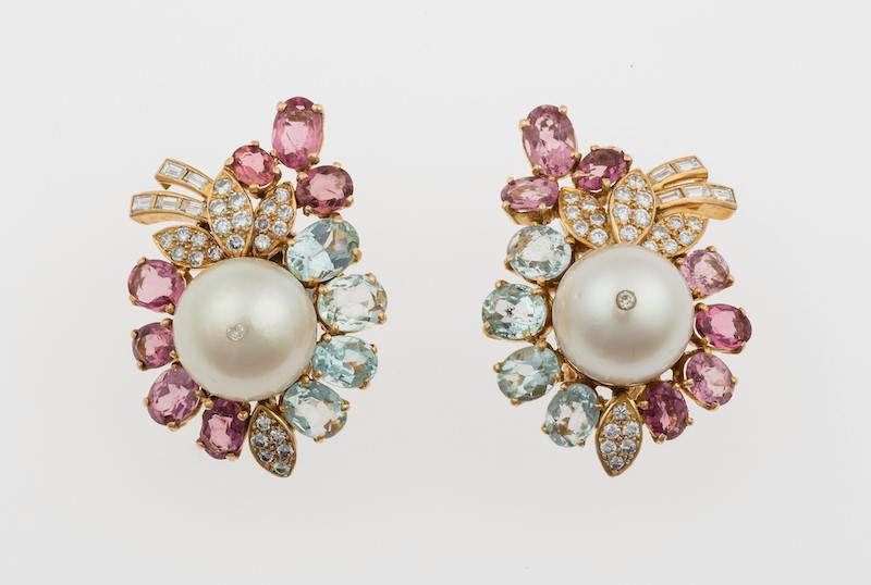 Pair of cultured pearl, diamond and gem-set earrings montatura in oro giallo 750…