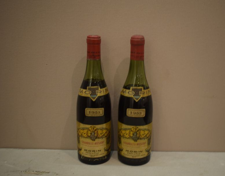 2 bouteilles CHAMBOLLE-MUSIGNY Morin 1953 (1 LB, 1 MB)