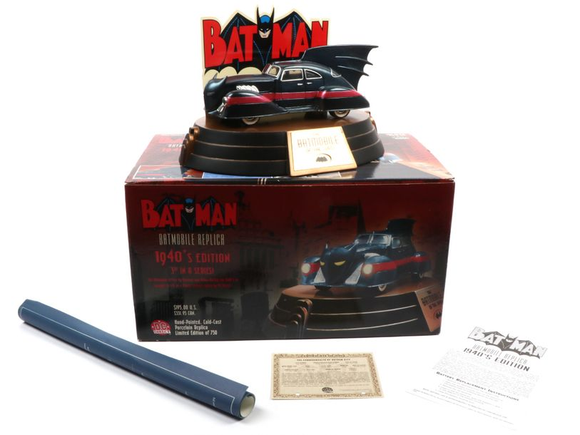 DC DIRECT (U.S) (1) (PEU COURANT) KANE 4000 DC DIRECT (U.S) BATMOBILE REPLICA 1940'S…